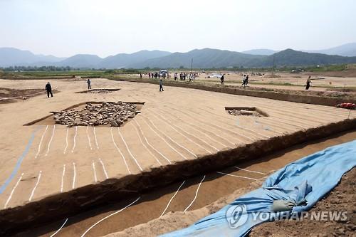 레고랜드 사업지 내 선사유적 발굴[연합뉴스 자료사진]