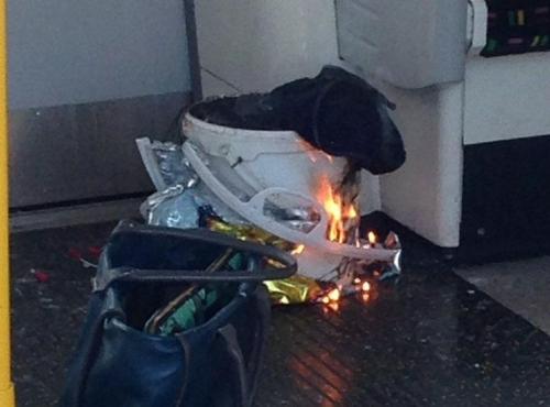한 시민이 트위터에 올린 폭발 원인으로 추정되는 흰색 통 [메트로 캡처]