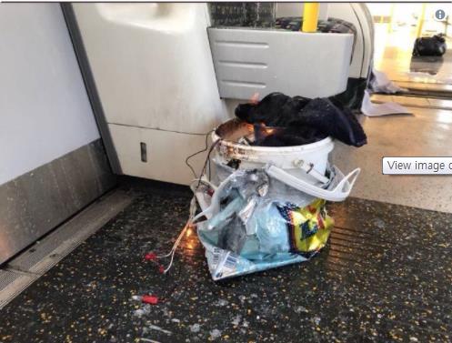 한 시민이 트위터에 올린 폭발물 추정 물체 [텔레그래프 홈페이지 캡처]