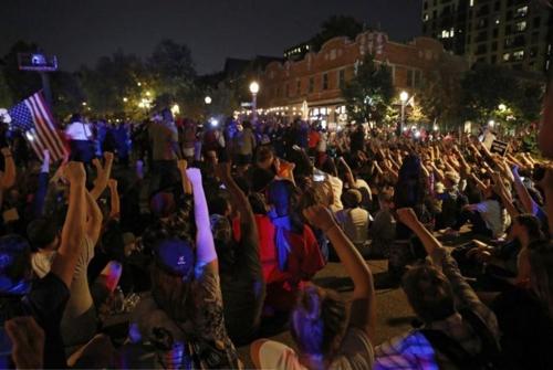 미 세인트루이스서 시위대와 경찰 충돌