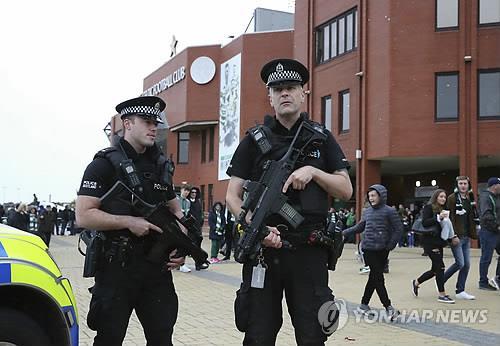지하철 폭발테러 이후 경계 강화된 영국 [AFP=연합뉴스]