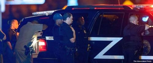미 뉴올리언스 경찰관 피격 현장