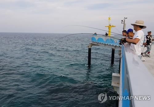 낚시[연합뉴스 자료사진]