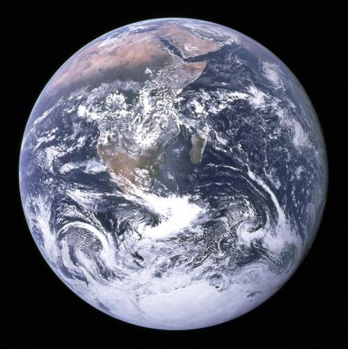 우주에서 바라본 지구의 모습