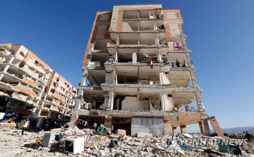 이란 카르만샤 주 사폴레-자하브를 강타한 지진의 여파