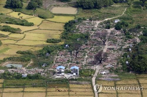 불에 타 잿더미가 된 로힝야족 마을[EPA=연합뉴스 자료사진]