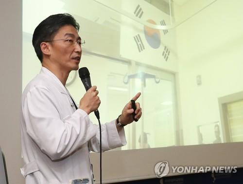 지난 22일 브리핑 하는 이국종 교수[연합뉴스]
