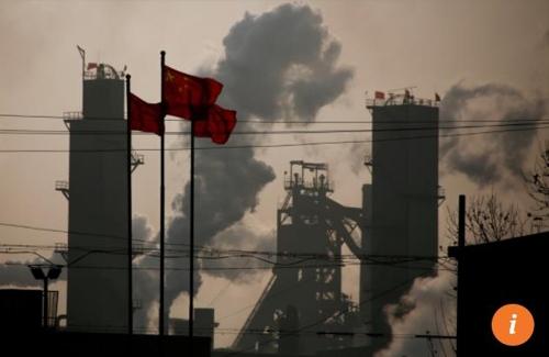 중국의 공장에서 나오는 매연