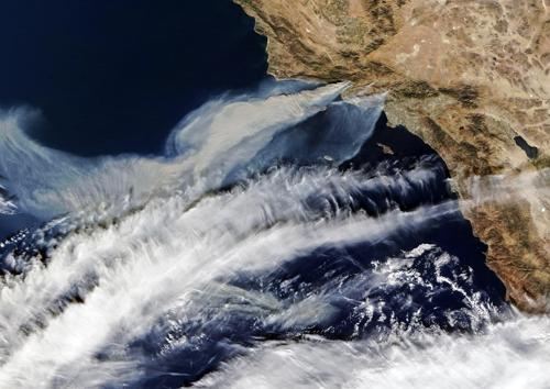 북태평양 연기 가득