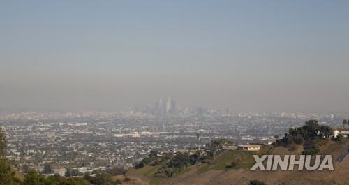 산불로 인한 미 로스앤젤레스 시내 스모그 현상