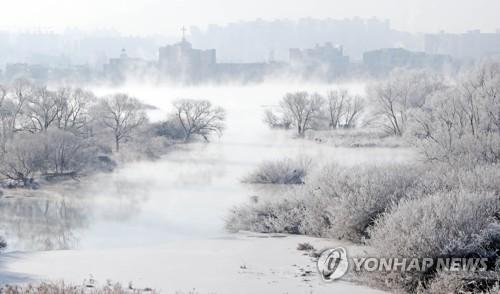 최강 한파가 빚어낸 춘천 소양강 상고대 '장관'