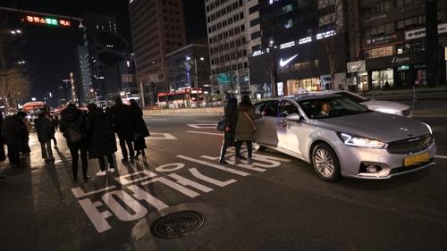 [사진르포] 심야 강남역에서 택시 타면 '운수 좋은 날?'