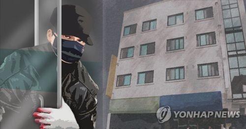 '옷장 여는데 2∼3초면 충분'…찜질방 털이범 구속