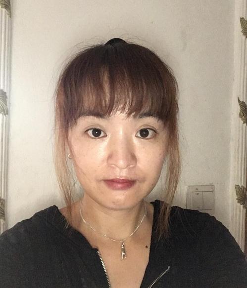카메룬 음발마요에서 봉사하는 윤은주씨