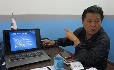 파라과이에서 시니어 봉사단원으로 활동하는 김천수씨