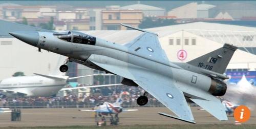 중국이 설계하고 파키스탄이 조립한 'JF-17 썬더' 전투기