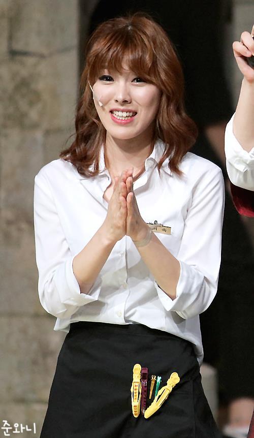 tvN '코빅'에서 연기하는 윤미숙