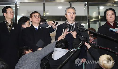 판문점 향하는 '북 예술단 파견' 실무접촉단
