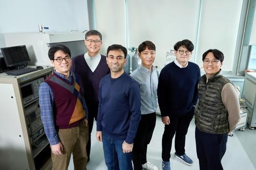 UNIST 연구진, 백금 대신 값싼 반영구 촉매 개발