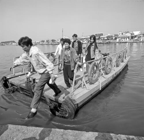 1985년 촬영된 아바이마을의 갯배[연합뉴스 자료사진]