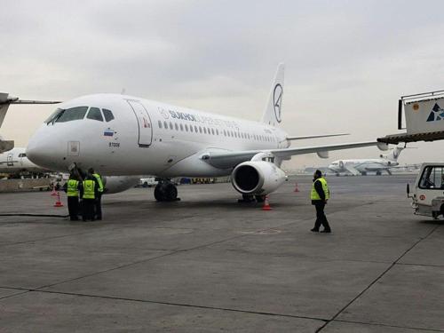 이란에 도착한 러시아 수호이 슈퍼젯100[아세만항공]