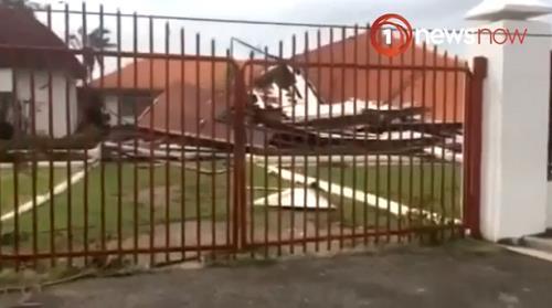 사이클론으로 무너진 통가 국회의사당 [1뉴스나우 캡처]