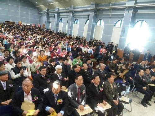 '만학도들의 꿈' 남인천중·고등학교 졸업식