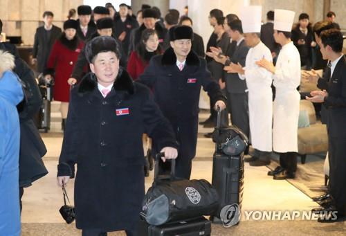 [올림픽] 북한으로 돌아가는 태권도 시범단