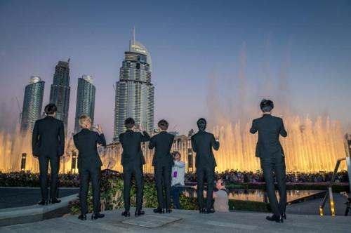 올해 1월 두바이 분수쇼를 방문한 엑소[두바이관광청]