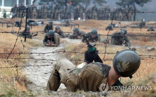 [김귀근의 병영톡톡] 병사들에 '참모총장 표창' 인색한 軍