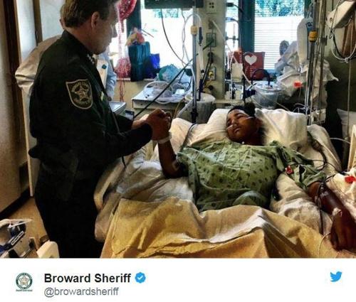 플로리다 고교생, 총탄 5발 맞고 친구 20명 지켜내