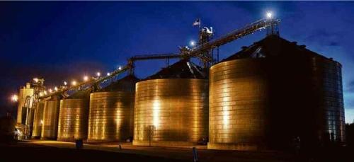 미국 미주리에 있는 에탄올 생산공장 [브라질 일간지 폴랴 지 상파울루]