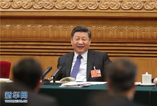전인대 광둥 대표단 회의에 참석한 시진핑 주석.[신화망]