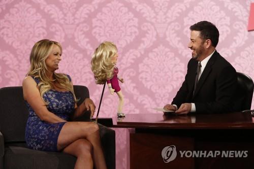 ABC방송 토크쇼에 출연한 '트럼프 성관계설' 전직 포르노배우