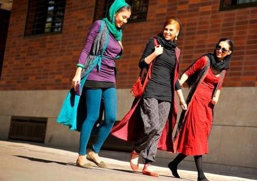 테헤란 시내의 이란 여성들[트위터]