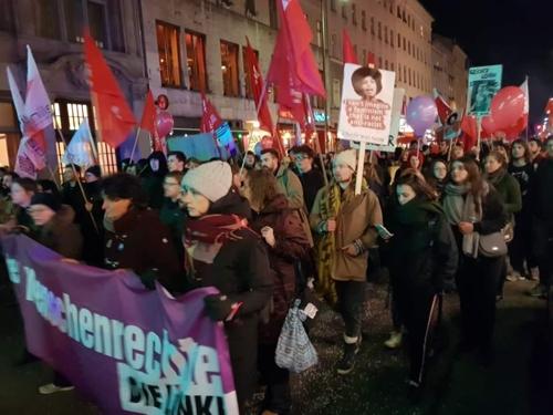 베를린에서 열린 세계 여성의 날 기념 거리 집회 [베를린=연합뉴스]
