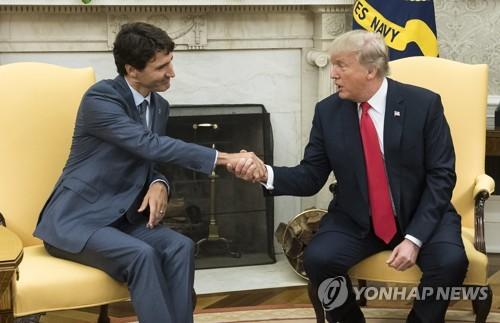 쥐스탱 트뤼도 캐나다 총리와 도널드 트럼프 미국 대통령