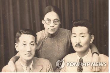 권기옥 가족사진