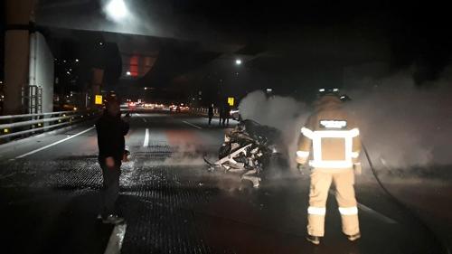 부산 광안대교 승용차 추돌사고