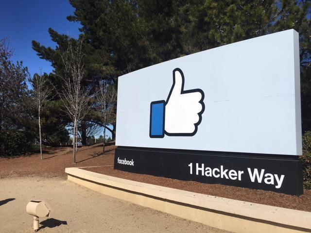 창사 후 최대 위기 닥친 페이스북