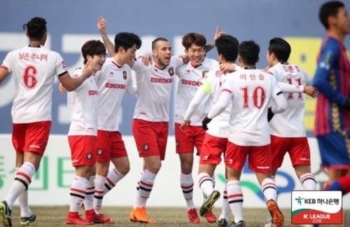 프로축구 2부 부천, 수원에 1-0 승리…개막 후 4연승(종합)