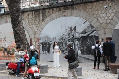 [르포] 관광명소가 된 한-베 합작 하노이 도심 벽화거리