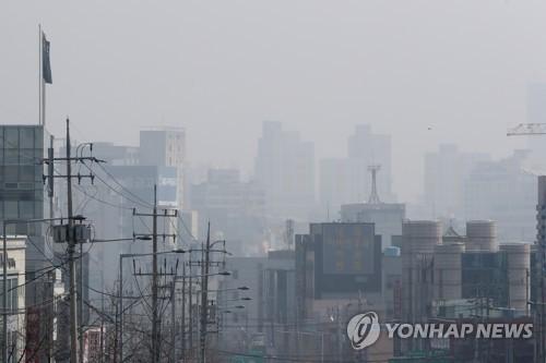 미세먼지로 흐릿한 광주 도심 [연합뉴스 자료사진]