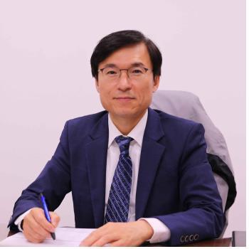 교육부장관 표창받은 강민구 교수