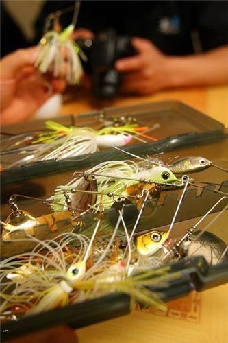 물고기 모양을 한 인조미끼 '스피너 베이트' (성연재)