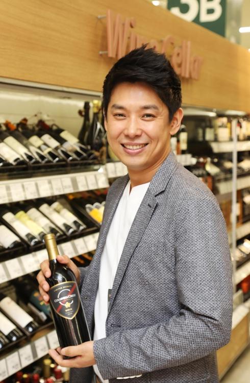 이마트 명용진 와인 바이어 프랑스 와인 기사 작위 받아