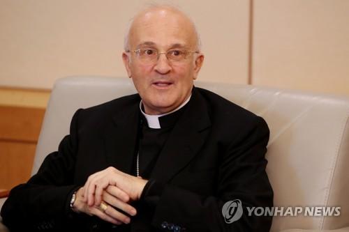 """교황 """"한반도 평화 위해 기도""""…신임 교황청대사에 메시지"""