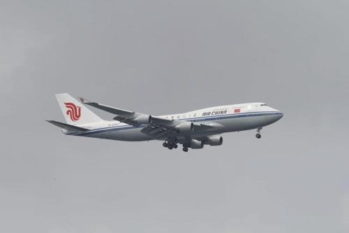 김정은 위원장을 태운 것으로 추정되는 에어 차이나 747기