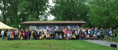 미국 시카고 교외도시 숲공원에서 열린 한인입양가족 모임