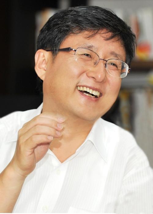 구청장 8년 경험 '행정 전문가' 김성환 국회 입성